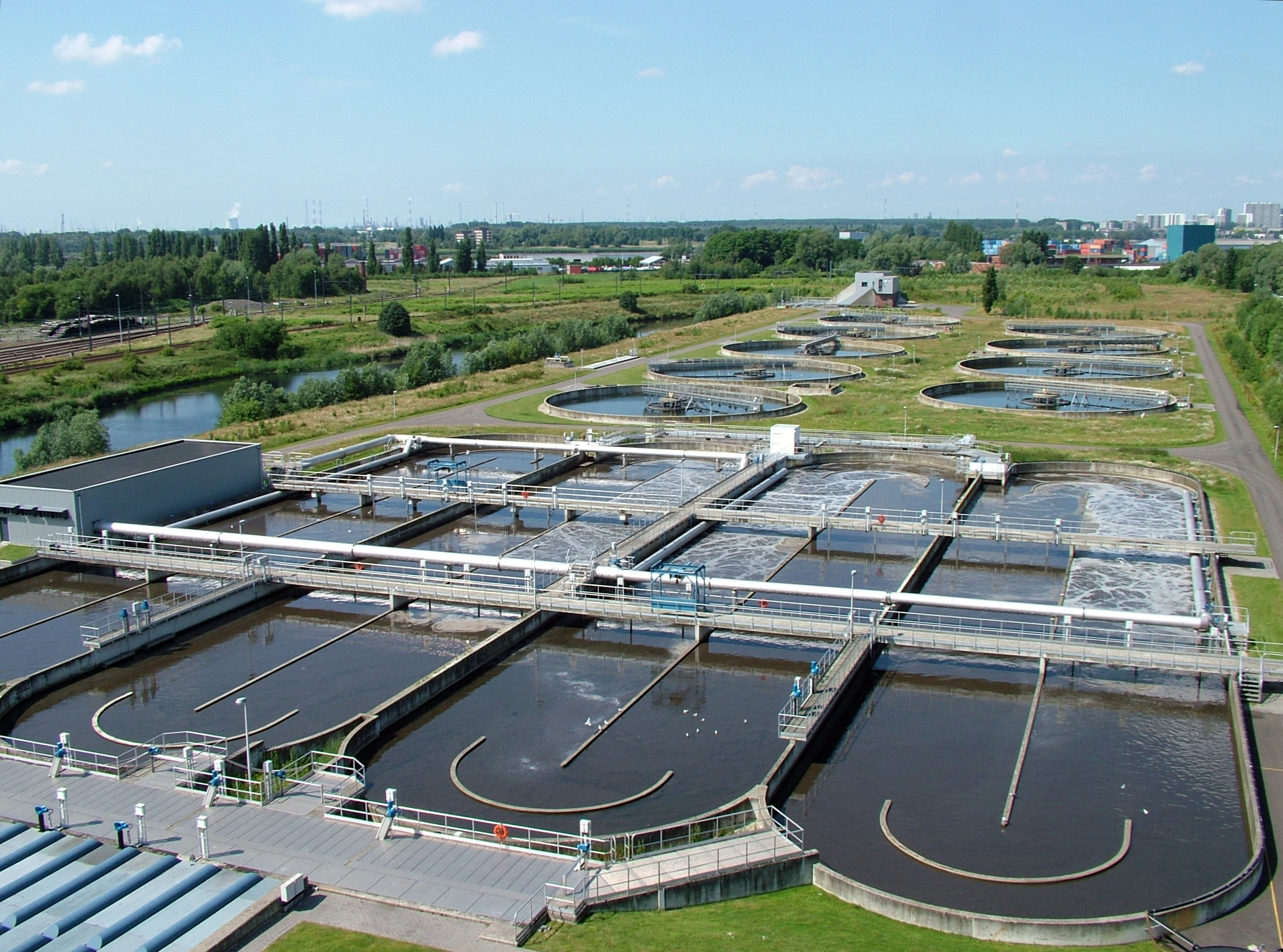 wastewater treatment plant (Wikipedia)